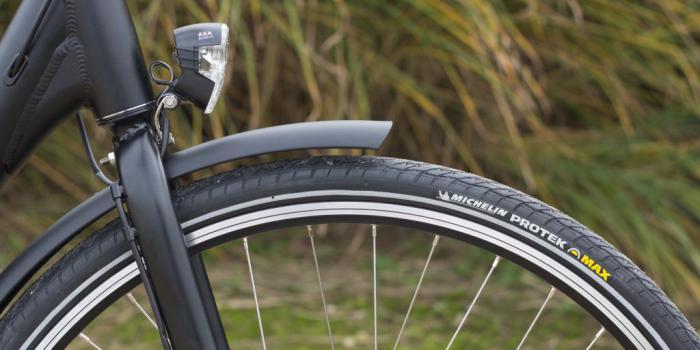 Bike&Co Elektrische Fiets- voorwiel-licht- foto: Stijn Tyteca